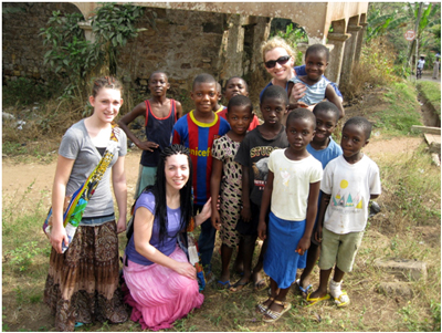 Ellie, Ronai, Jen and children from Mampong village